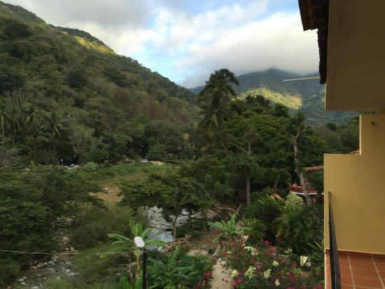 La Posada Pacifica: view up river towards the mountains