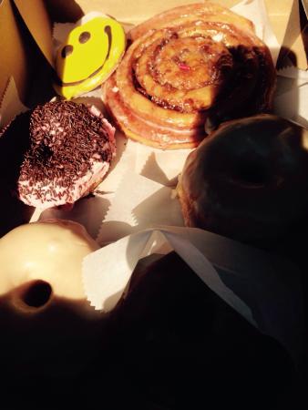 V.G. Donut & Bakery : Glaçage Sirop d'érable, roll cannelle et cookie smileys !