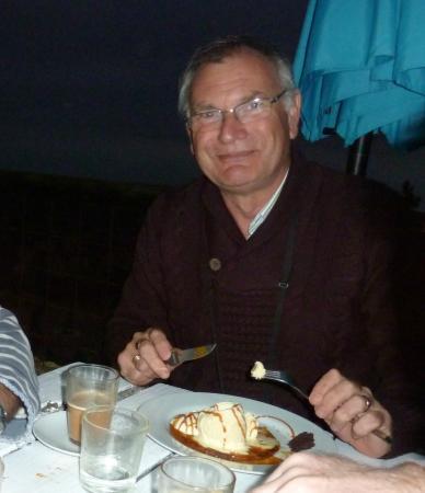 """El Refugio"": Enjoying my apple tart and ice cream"