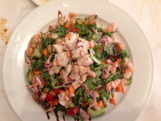 Filomena Lakeview : Mediterranean Salad