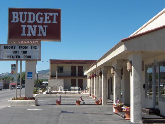 Budget Inn: Main View