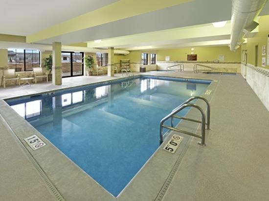 Red Lion Inn & Suites Denver Airport: Pool