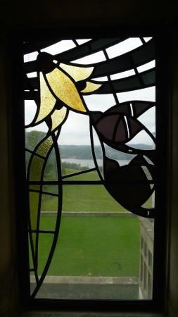 Bowness-on-Windermere, UK: Stained glass window