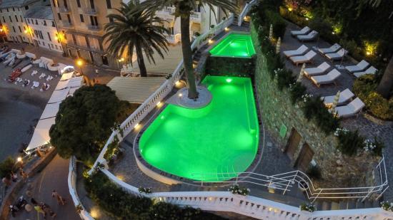 Hotel Helvetia: piscina e giardino