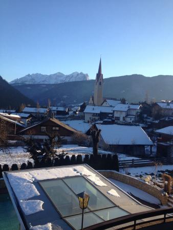 Hotel Tirolerhof: Vista dalla st 24