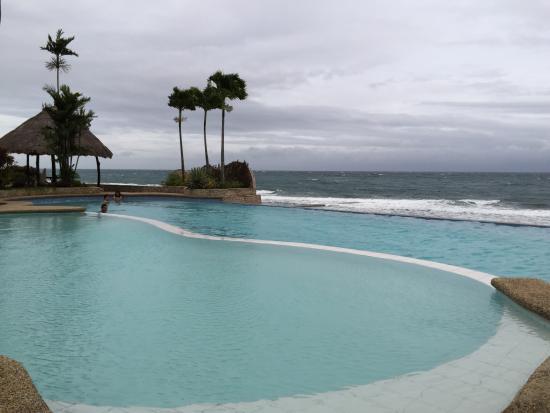 Lalimar Beach Resort Infinity Pool