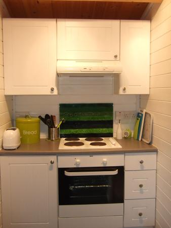 Trefin, UK: Cooker and hob