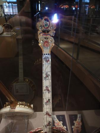 American Banjo Museum : Can you see the Carousel horses?