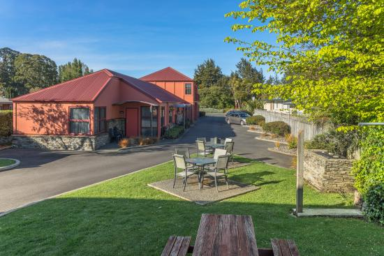 Red Tussock Motel: View form the office