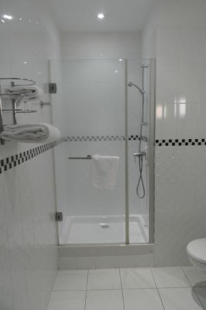 Mercure Le Mans Centre : la salle de bain