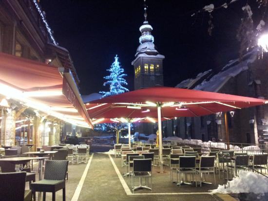 La Croix Saint-Maurice Hotel Restaurant : great outdoor area if not too chilly!!