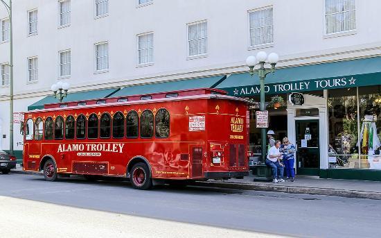 Alamo Trolley Tours: Trolley