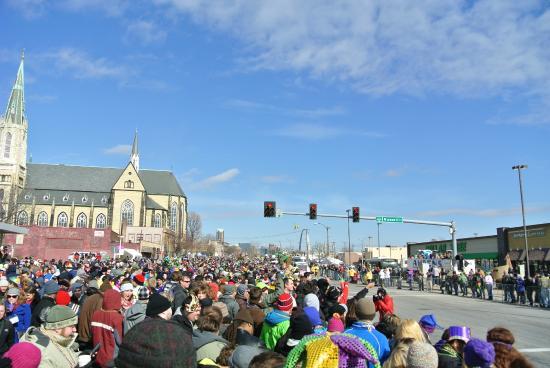 Soulard: parade crowd