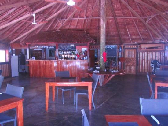 Oyster Island Resort Restaurant: Fresh sea breeze through our traditional built restaurant.