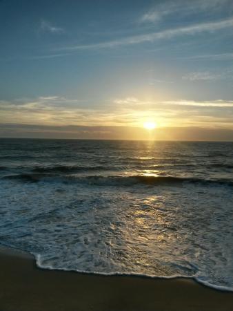 Marataizes, ES: Amanhecer na Praia de Barra do Itapemirim