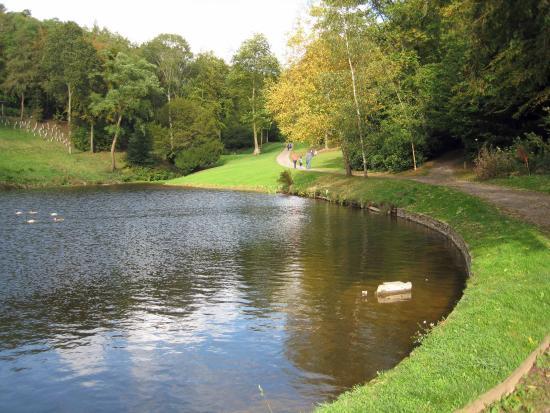 Hestercombe Gardens: Lake possibly feeding water to a rurbine