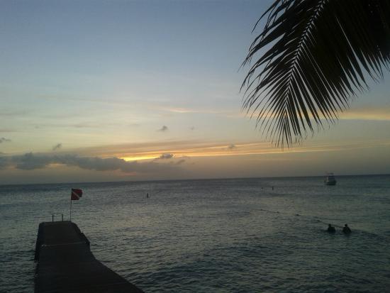 Nos Krusero Apartments: Sunset at Playa Kalki