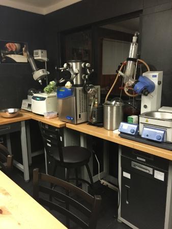 Kuuk: The laboratory kitchen!