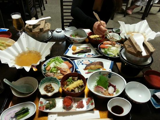Toya Sansui Hotel Kafu: second night dinner