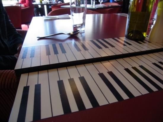 Restaurant Le Saxo : テーブル