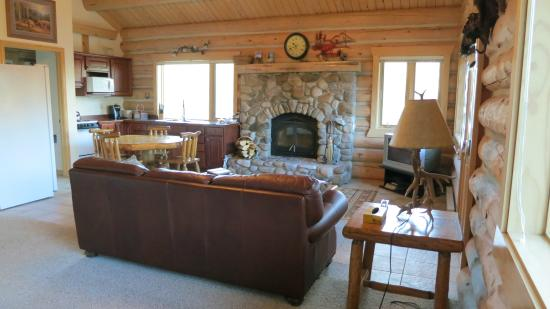 Rye Creek Lodge: Living Room