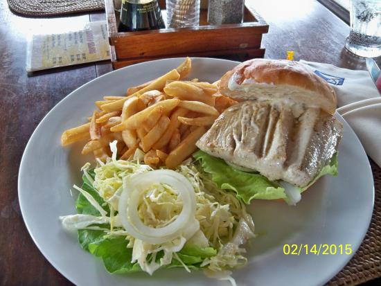 MNUW Bar & Restaurant: The Sandwich with Old Fries