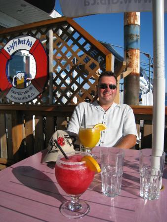 "Dinghy Dock Pub & Floating Restaurant: ""Margaritaville"""