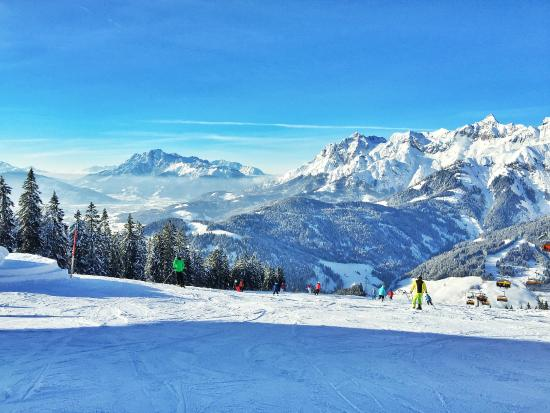 Chalet Panorama : View from the Slopes