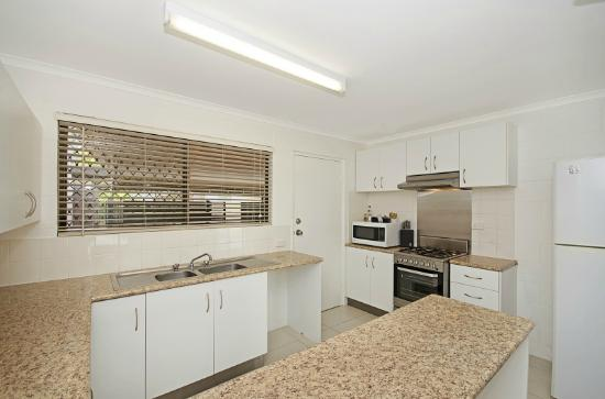 View 2 Bedroom 89 Eyre St Foto Di Townsville Holiday Apartments