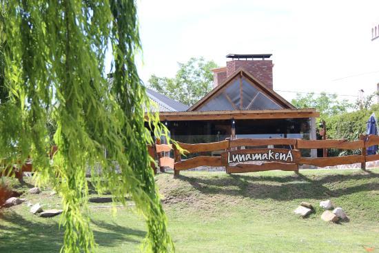 Lunamakena: comedor donde se desayunaba , a la noche servían pizas. ( muy ricas)