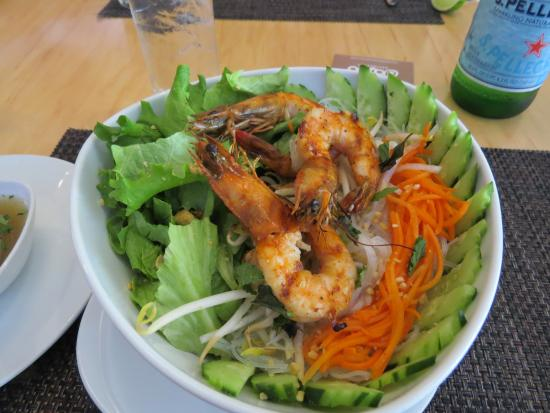 Dazoo: Vermicelli noodle salad with prawns