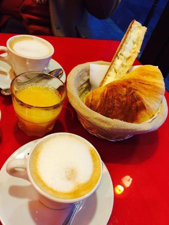Cafe La Colonnade: Parisの朝食