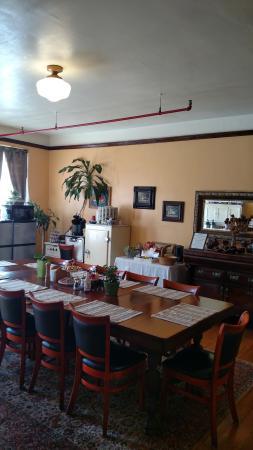 Edgewater Hotel: Breakfast Room