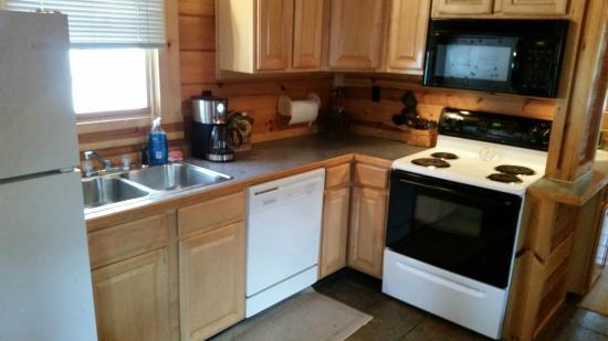Buckeye Cabins: Kitchen!