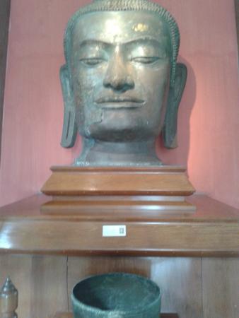 Chao Sam Phraya Museum : .