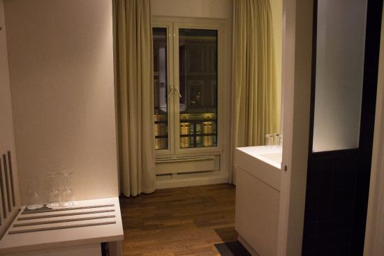Thon Hotel Gyldenlove: Трехместный номер, двухспальная кровать и шкаф-кровать