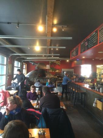 Rocky Mountain Flatbread Company: Inside the restaurant