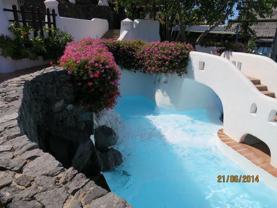 Hotel Jardin Tropical: Бассейн с океанической водой.