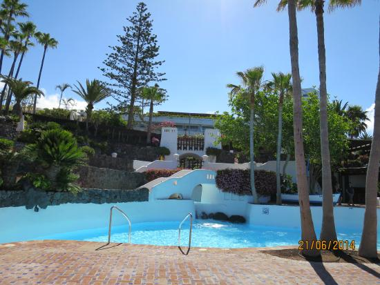 Jardin de l 39 h tel picture of hotel jardin tropical for Jardin tropical