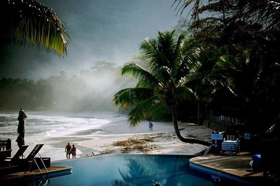 seychelles of paradise at le meridien fisherman 39 s cove picture of bel ombre mahe island. Black Bedroom Furniture Sets. Home Design Ideas