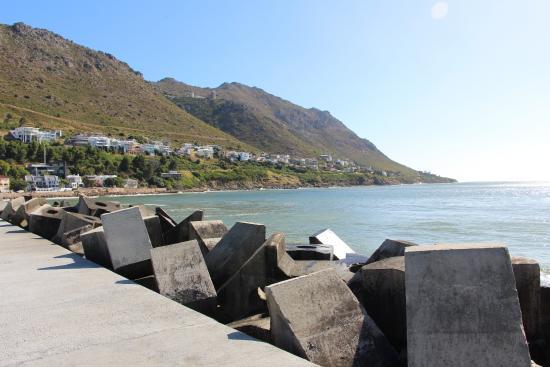Gordon's Bay, แอฟริกาใต้: HARBOUR