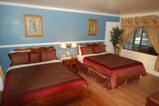 Econo Lodge Inn & Suites Heavenly Village Area
