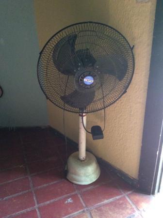 Complejo Turistico La Aldea : ventilador sin función