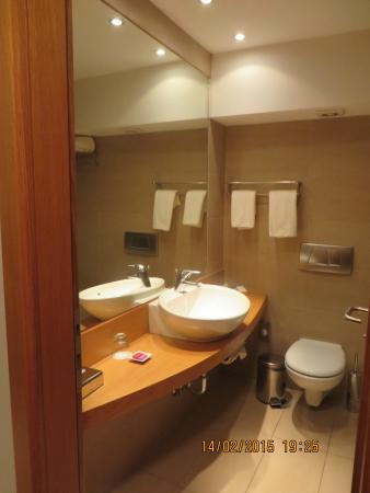 Domotel Xenia Volos: Bathroom