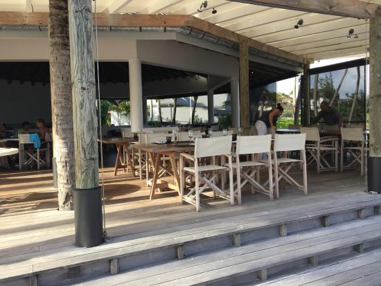 Le Sereno Restaurant: restaurant on the beach