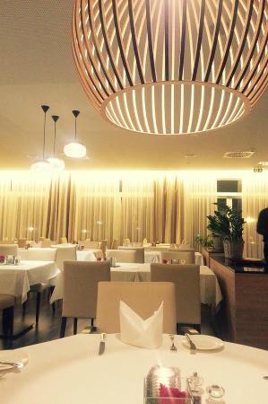 Best Western Queens Hotel Pforzheim-Niefern: restaurant