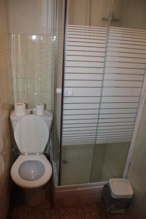 Mini Wc mini wc ducha picture of hostal meson la insula ossa de montiel