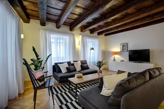 Prague Apartments U Kapra: U Kapra Apartments | Living Room