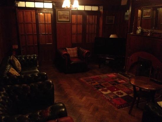 The Grange & Links: Snug!