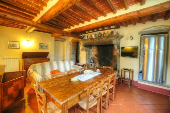 Azienda Fontelunga : living room La Bozza